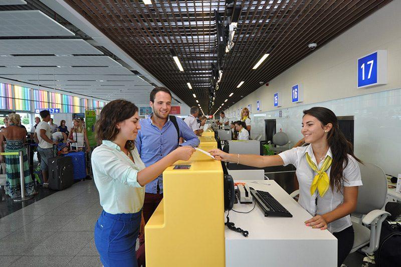 Оборудване летищни терминали Варна и Бургас
